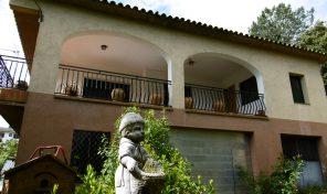 Venda casa aïllada sobre parcel.la rústica a Arbúcies. Ref. 3282